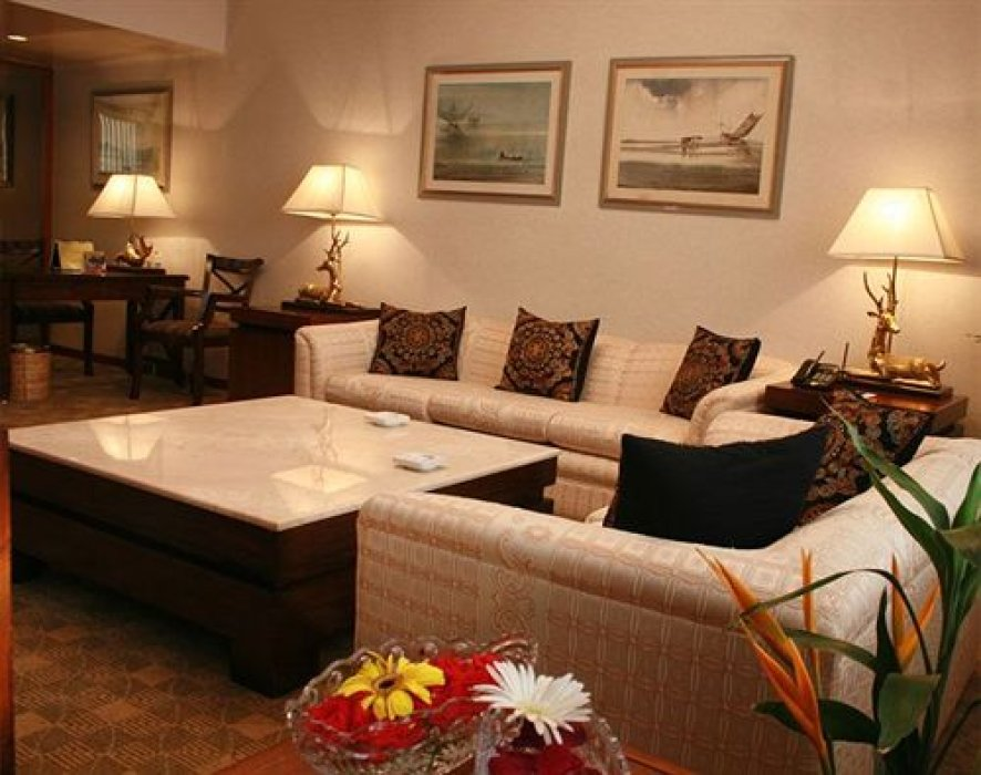 safe hotel for dating in dhaka